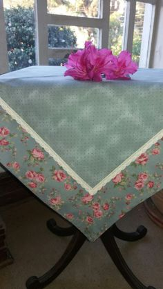 Patchwork Table Runner, Table Runner And Placemats, Courtyard House Plans, Fabric Structure, Weaving Designs, Tablecloth Fabric, Tablerunners, Flower Centerpieces, Table Covers