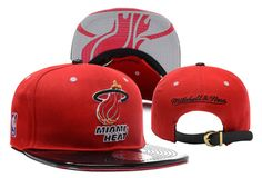 Item Description: Miami Heat NBA Snapback Gender: Unisex Style: Snapback Size: (one size fits all) Yankees News, New York Yankees, Nba Snapbacks, Nba Miami Heat, Strapback Cap, Hats Online, Indie Brands, Snapback Hats, Swagg