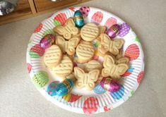 sablés_de_pâques Push Cake, Easter, Cookies, Food, Pretty Cakes, Crack Crackers, Easter Activities, Biscuits, Essen