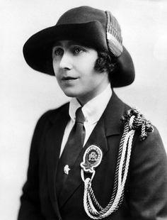 Girl guides 100th: 1910 Elizabeth Bowes-Lyon in her Girl Guides uniform