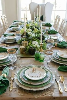 Are you looking for Fall tablescapes ideas? I have 10 Fall themed Tablscapes ideas for you. These simple Fall tablescapes are what you need. I have fall tablescapes that fit everyone's styles, from farmhouse to elegant Thanksgiving tablescapes that are elegant. If you want more Fall inspiration, visit Home with Holly J. Thanksgiving Centerpieces, Christmas Tablescapes, Holiday Tables, Autumn Wreaths, Autumn Theme, Fall Home Decor, Autumn Inspiration, Farmhouse, Decor Ideas