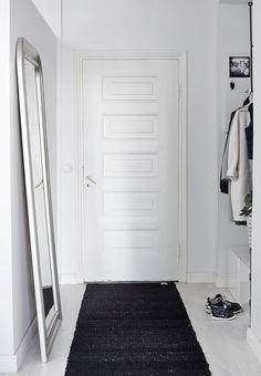 Eteisessä / hallway