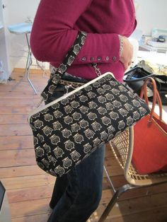 """Retro """"Kelly"""" style bag made at the workshop I did Owl Fabric, Fabric Crafts, Fabric Shop, Chanel Boy Bag, Bag Making, Purses And Bags, Craft Supplies, Satchel, Pouch"""