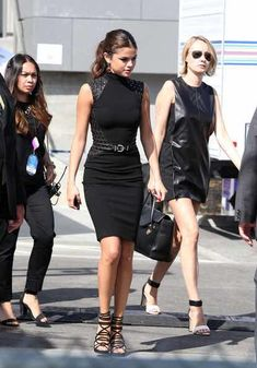 Selena Gomez Photos - Selena Gomez takes out some time for her fans as she attends an event in Santa Monica. - Selena Gomez Hangs Out with Her Fans Selena Gomez Dress, Selena Gomez Outfits, Selena Gomez Style, Selena Selena, Work Fashion, Fashion Outfits, Womens Fashion, Celebrity Outfits, Celebrity Style