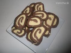 Nepečená likérová roláda (fotorecept) Gingerbread Cookies, Rum, Baking, Food, Basket, Gingerbread Cupcakes, Bakken, Essen, Meals