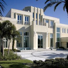 A postmodern mansion in Orange County