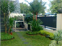 interior pequeño Minimalist Home Terrace Ideas With Minimalist Plant Garden 08 Courtyard Landscaping, Landscaping On A Hill, Landscaping Ideas, Minimalist Garden, Minimalist Home, Vertikal Garden, Small Backyard Design, Tropical Garden, Green Garden