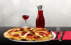 E se accompagnassi anche la pizza con il vino?