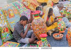 stock-photo-kolkata-west-bengal-india-november-rd-unidentified-artists-painting-furniture-240095743.jpg (450×320)