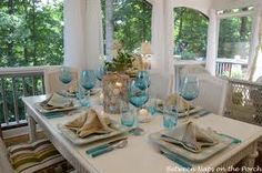 Want to infuse your home with a little bit of coastal living beach-chic for the summer? Wait until you see these 35 beach house decor ideas. Table Nautique, Coastal Living, Coastal Decor, Beach Table Settings, Blue Wall Colors, Dresser, Home Themes, Napkin Folding, Beach House Decor