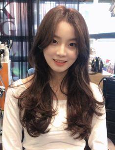 Permed Hairstyles, Hair Inspiration, Korean Fashion, Hair Cuts, Hair Beauty, Long Hair Styles, Beautiful, Color, Women
