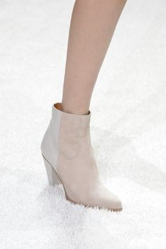 Nude boots  Discovered on live.chloe.com