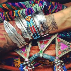 Goodies of the day... Necklace @rossioroos bracelets left to right @isabellarae_jewelry @mamieruthxoxo @thegypsiestrunk bag from Costa Rica  #jewelry #boho #disfunkshionmag