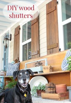 Details for making DIY wood shutters and other great pallet slat projects. Lots of great DIY on this site.} I really like the hinges instead of traditional shutter hangers Diy Tumblr, H & M Home, Home Reno, Wood Shutters, House Shutters, Exterior Shutters, Plastic Shutters, Outdoor Shutters, House Siding