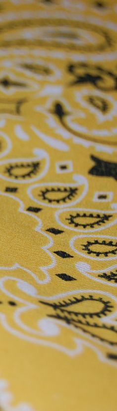 Classic #yellow #bandana print -Though we started creating #motorcycle and #biker styles, our products are used in other lifestyle pursuits such as #crossfit, #yoga, #hiking, #horseback riding, and more. So whether you're a biker or just looking for a style change-up, we're proven to be your best headwear for all seasons, for all reasons. Perfect for any #fitness pursuit. #bikerfashion #fitness #yogafashion #boho.