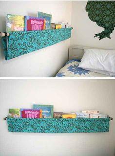 O facilita alcanzar los libros favoritos colgándolos al lado de la cama.