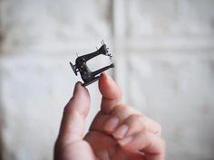 Japanese Artist Crafts Miniature, Antique Dollhouse Furniture by Hand Antique Dollhouse, Miniature Dollhouse Furniture, Miniature Rooms, Miniature Crafts, Diy Dollhouse, Diy Doll Miniatures, Polymer Clay Miniatures, Victorian Dolls, Antique Dolls