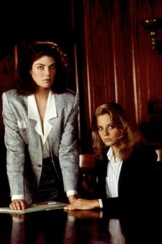 """Kelly McGillis and Jodie Foster in """"The Accused"""", 1988 80s Movies, Movie Tv, 80s Classics, Kelly Mcgillis, Audrey Hepburn Movies, Laura Palmer, Jodie Foster, Love Film, Accusations"""