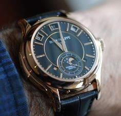 Is this the watch you would wear to start your week? #PatekPhilippe #Tourbillion   http://mywat.ch/13