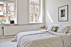 (via my scandinavian home: A Malmö home teeming with design. Flat Interior, Interior Design, Swedish Bedroom, New Home Designs, Simple Designs, Scandinavian Home, Bedroom Styles, Home Bedroom, Light Bedroom