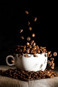Commercial photo and lighting setup with Strobe and Softbox by Fabrizio Soletta . Coffee Shot, I Love Coffee, Coffee Cafe, Coffee Break, Coffee Drinks, Sunday Coffee, Coffee Humor, Coffee Shop Photography, Food Photography