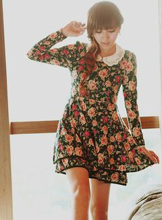 this dress is SO CUTE I love the collar the florals so girly so amazahhh