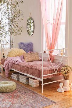 Design Furniture, Plywood Furniture, Chair Design, Modern Furniture, Room Ideas Bedroom, Bedroom Decor, Daybed Bedroom Ideas, Daybed Ideas, Wall Decor