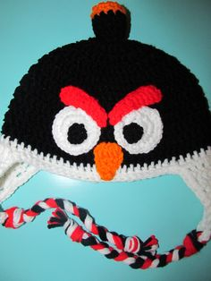 Free crochet pattern for Angry birds hats