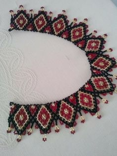 This Pin was discovered by Seh Beaded Crafts, Beaded Ornaments, Seed Bead Necklace, Beaded Necklace, Handmade Beads, Handmade Jewelry, Beaded Collar, Beaded Jewelry Patterns, Bead Jewellery