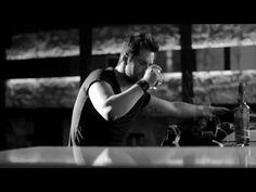 Giorgos Tsalikis - Kitakse me feugo - 2012 Video Clips, Greek Music, Holding Hands, Lyrics, The Incredibles, Youtube, Videos, Singers, Singer