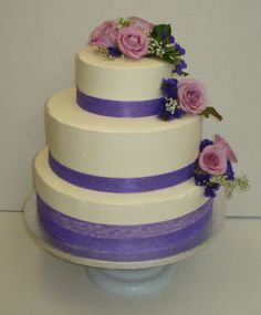 simple fresh flower wedding cake
