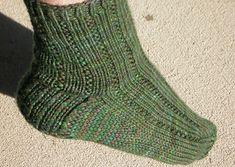 Knitty: editorial win 05  calze da uomo inglese  ... però voglio provarci!