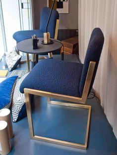 les 7 meilleures images du tableau vitrines asseyons nous sur pinterest. Black Bedroom Furniture Sets. Home Design Ideas