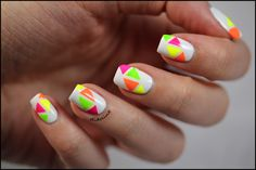 Triangles & Néons ~ Didoline's Nails