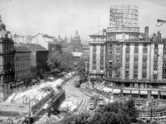 Budapest Anno Old Pictures, Old Photos, Budapest Hungary, Budapest City, Future Travel, Historical Photos, Times Square, Arch, The Past