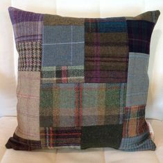Shetland tweed patchwork cushion (link no longer works, but still a good idea) Patchwork Quilting, Patchwork Cushion, Patchwork Jeans, Fabric Crafts, Sewing Crafts, Sewing Projects, Cushion Covers, Pillow Covers, Harris Tweed