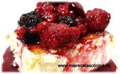 Tarta de queso con salsa de frutos rojos en thermomix #recetas #thermomix #postres