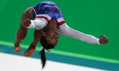 #Rio2016  Simone Biles took the Olympic women's floor title with a score of 15.966, ahead of her USA compatriot Aly Raisman and Britain's 16-year-old Amy Tinkler