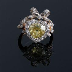 I heart this Edwardian yellow diamond heart shape ring.