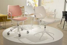 The new white Gas chairs that STUA has presented in MIlano.
