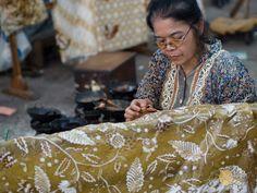 Batik+Tulis:+Traditional+Indonesian+Batik+Making+in+Solo