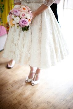 Pink peonies wedding bouquet. Photography by @lillian_leonard