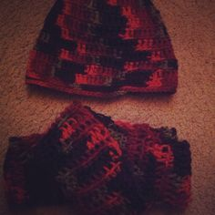 Infinity scarf & hat set, sold at a Pittsburgh street fair in June 2013
