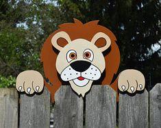 Lion hek Peeker, Lion hek decoratie, buiten tuin kunst, Lion hek kunst, Zoo dieren Yard decoratie, hek Sitter