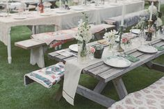 70 New ideas outdoor brunch wedding picnic tables Picnic Table Wedding, Outdoor Picnic Tables, Rustic Outdoor, Rustic Table, Reception Table, Brunch Wedding, Wedding Reception, Outdoor Wedding Decorations, Table Decorations