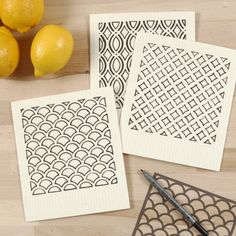 Environmentally friendly dishcloth decorated with patterns using a stencil and textile marker Fabric Painting, Painting & Drawing, Disney Coloring Pages, Shops, Bullet Journal Inspiration, Easy Drawings, Pixel Art, Color Inspiration, Markers