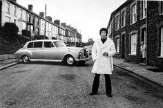 Tom Jones and his Rolls Royce Phantom, Pontypridd, Wales, 1974 Rolls Royce Silver Cloud, Sir Tom Jones, Terry O Neill, Automobile, Celebrity Photography, Photography Portraits, White Photography, Vintage Mode, Vintage Cars