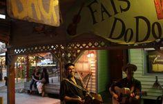 Experience a Cajun dance party called a fais do-do. Get the guide to Cajun culture in Louisiana #cajun #louisiana #onlylouisiana