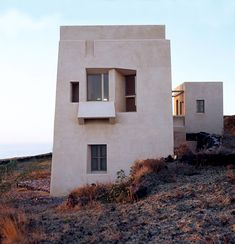 couvelas architects erects the house of the winds in santorini