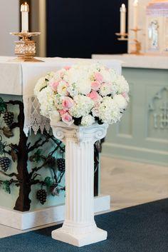 Wedding Alter Decorations, Altar Decorations, Flower Decorations, Centerpieces, Wedding Ceremony Flowers, Blue Wedding Flowers, Rose Wedding, Dream Wedding, Sangria Wedding